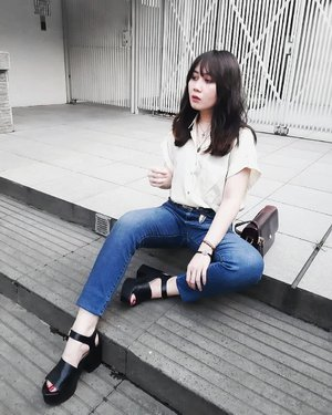 Let me take a rest for awhile. For my job is taking most of my times. . . . #clozetteid #personalstyle #styleblogger #ootd #cgstreetstyle #streetstyle #ggrepstyle #PrettyMessedUpStyle #lookbookindonesia #ootdindo @lookbookindonesia