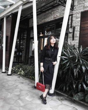 I naturally look intimidating and I'm okay with that. It keeps weak people away. . . . #LYKEAmbassador #clozetteid #personalstyle #styleblogger #ootd #cgstreetstyle #streetstyle #ggrepstyle #PrettyMessedUpStyle #lookbookindonesia #ootdindo @lookbookindonesia @gogirl_id