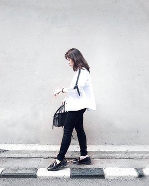 ▪in omnia paratus▪ . . . #clozetteid #personalstyle #styleblogger #ootd #cgstreetstyle #streetstyle #ggrepstyle #minimalist #fashion #style #fashionblog #fashionblogger #PrettyMessedUpStyle #lookbookindonesia #ootdindo @lookbookindonesia