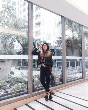 That feeling when you finally dress like yourself. . . #LYKEAmbassador #clozetteid #clozette #fashion #personalstyle #styleblogger #ootd #cgstreetstyle #streetstyle #balenciaga #ggrepstyle #PrettyMessedUpStyle #lookbookindonesia #ootdindo @ootdindo @lookbookindonesia