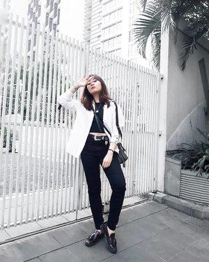 See no evil🙈 . . . #clozetteid #personalstyle #styleblogger #ootd #cgstreetstyle #streetstyle #ggrepstyle #minimalist #fashion #style #fashionblog #fashionblogger #PrettyMessedUpStyle #lookbookindonesia #ootdindo @lookbookindonesia