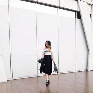The most dangerous person is the one who listens, thinks and observes. . . . #LYKEAmbassador #clozetteid #clozette #fashion #personalstyle #styleblogger #ootd #cgstreetstyle #streetstyle #balenciaga #ggrepstyle #PrettyMessedUpStyle #lookbookindonesia #ootdindo @ootdindo @lookbookindonesia