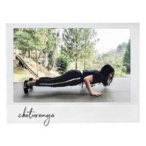 (An imperfect) Chaturanga🍃 Because it's only the second day of the week and I don't know what's coming. . . Disclaimer: Chaturanga with shoes on is hard🙃 . . . #Clozetteid #yoga #nature #chaturanga #lifestyle #blogger #lifestyleblogger #yogini #daily #life