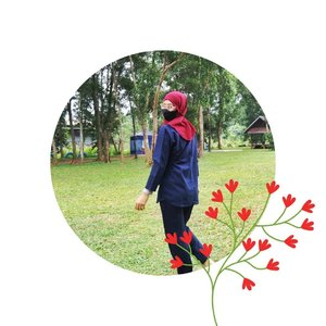 Sometimes you need to look back. Not to chase the past, but to learn from it. So you can make a better decision ahead. So you don't fall again into the same hole in front of you. So you don't get lost twice. Look back. Learn. Then walk again. #justsaying #blogger #bloggerperempuan #bloggertangsel #clozetteid #SmartMumsID #blog #momblogger #lifesayings #aboutlife