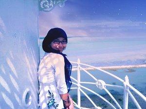 Hai,  Dari saya yang rindu pantai . . . .  #mamaneedsabreak #beachplease #holiday #indonesianbeach #madura #momblogger #momslyfe #emak2blogger #bloggerperempuan #clozetteid