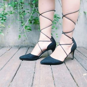 Selling my #preloved item, #Zalora Black Lace Up Pumps Heels at @tinkerlustid #tinkerlustid 💕 kindly check http://www.tinkerlust.com/detuileriesmode to see more 👀 #clozetteid #bloggerbabesid #bloggerbabes