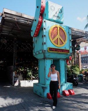 You are entirely up to you.•••••••• #styleblogger #stylenanda #styleinspo #fashiondaily #summertime #summervibes #islandlife #explorebali #wheninbali #arindainbali #detuileriesmode #casualstyle #lookbookindonesia #bloggerstyle #bloggerbabes #clozetteid #balibaby #trypomelo #zarawoman
