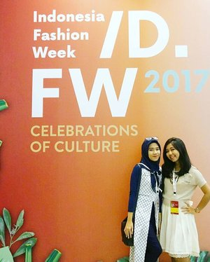 One week ago. . . . #latepost #lastweek #throwback #ifw2017 #indonesiafashionweek2017 #fashionforward #idfw #ootd #hootd #clozetteid