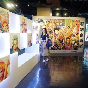 Good Morning from Tokyo Tower ♥️..Destinasi turis berikutnya : Tokyo Tower. Dari kejauhan udah ambil foto penampakan Tokyo Tower seperti turis pada umumnya 😁. Kesini selain ke Tokyo Tower, pastinya nemenin @thekarinfrost ke One Piece Tokyo Tower. Keren banget asli One Piece ini. Ku terharu banget liat showcasenya One Piece, nonton shortmovienya, semuanya ♥️ Kalo kata review-review mah begini: You can enjoy these theme park even you don't know anything about One Piece 😎..#Hello #tokyo #tokyotower #onepieceanime #lumixphotography #clozetteid