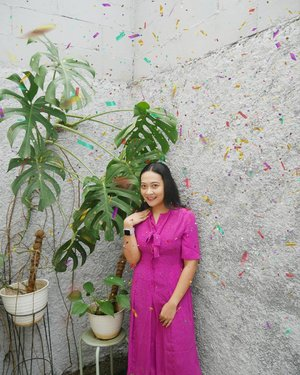 Foto #dirumahaja di pojokan monstera ini dalam rangka memeringati ulang tahunnya @clozetteid Tak lupa confetti editan supaya tambah meriah yhaa 😃 . 📷 Pap Reza @fachreza . . Happiest 6th Birthday Clozette Indonesia 💕 . . #clozetteid #prelovedforlove #Hello