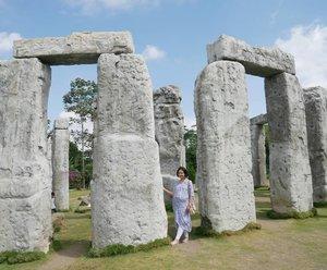 Where's Rayyan 👀..📷 @fachreza ..#Hello #ClozetteID #cangkringan #stonehenge