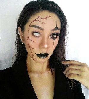 Happy Halloween 🎃 peeps..Recreating @starlit_makeup look .....#igers#instalike#instapic#instagood#instagram#style#photooftheday#picoftheday#beautiful#beauty#bestoftheday#makeupinspiration#indobeautygram #beautybloggerid #ragamkecantikan#makeupindo #inspirasicantikmu#tampilcantik#clozetteid#undiscovered_muas#makeupfanatic#makeupartistworldwide
