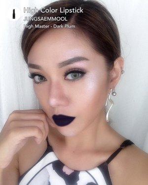 Happy National Lipstick Day 💋💄 Masih ragu menentukan lipstick apa yg mau km pakai di National Lipstick Day ini???? 😉 Ada cara mudah nya tinggal gunakan aplikasi @makeupplus_id  dan kita bs mencoba byk sekali brand Lipstick sebelum membeli nya, I'm so amazed with this app. Di sini aku menggunakan High Color Lipstick dr Jungsaemmool shade ( High Master - Dark Plum ) sebagai warna favorit aku #MPLipstickDay #MPlusBestLippies Yuk temukan shade favorit kalian @yunita.sasmita  @vikaangela  @dheasaki