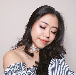 Happy sunday🤗💙 Make up deets💋 --- FACE:  @nyxcosmetics_id Stay Matte but Not Flat Foundation - shade neutral @nyxcosmectics_id HD Studio Photogenic Concealer - shade Beige @getthelookid L'oreal Infallible pro-matte powder - shade natural beige @nyxcosmetics_id ombre blush - shade feel the heat @sephora_id bronzer powder @sleekmakeup Sleek Solstice highlighting palette --- BROWS: @studiomakeupid Brow & Sculpting palette - dark --- EYES: @toofaced chocolate bar palette @maybelline hyper impact liquid liner @thewlashes - whisper --- LIPS: @pixycosmetics lip cream - shade 12 Mild Peach --- #BeautyVeller #motd #clozetteID