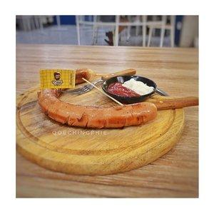 Grilled Jumbo Sausage ------------ #foodie #cafe #cafekekinian #cafejakarta #kuliner #kulinerjakarta #kulinerindonesia #makananan #food #foodphotography #foodstagram #sosis #sosisbakar #sosisgoreng #foodblogger