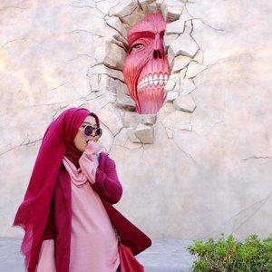 The terror is back! Who's excited for the new season of Shingeki no Kyojin ( Attack on Titans) ???!!!! 😍🙌🏻Btw soon on the blog a recap of my journey in Osaka, Japan!www.mellarisya.com#mellatravelogue #clozetteid #attackontitan #shingekinokyojin