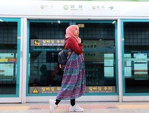 This is line 4, where is Hotel Del Luna? Gu Chan Seong oppa I'm coming 🥰....... #clozetteid #hijabfashion #hijabootd #traveltoseoul #summerinseoul2019 #summerinseoul #mellatravelogue #seoultravel