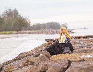 The sea is calling.. wearing my fav shirt @kitaakita_ ♥� #clozetteid