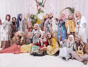 Bohemian sisterhood !!! 👭  Photo by @creativa_photo ❤❤❤ #clozetteid #bohemian#bohostyle #bohochic