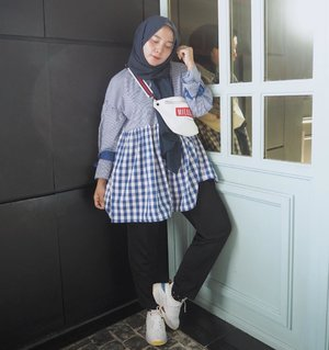 Kang parkir style with love. .Babydoll tunic by @pastelovaclothing 💙#clozetteid