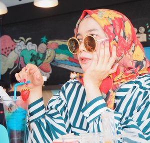 Retro vibe.Playing with patterns and colors is always fun🍭.#clozetteid