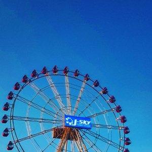 Gak jd ke sana, akhirnya ke siniWell.. The blue sky 😍.....#bluesky #instanusantara #travelerblogger #womanlifestyle #womantraveler #ritystory #travelerlife #mytravelgram #womanentrepreneur #travelgram #womanblogger  #gallery_of_all #solotravel #travelerblogger #girlexplorer #clozetteid #mygallery #sonyxperia