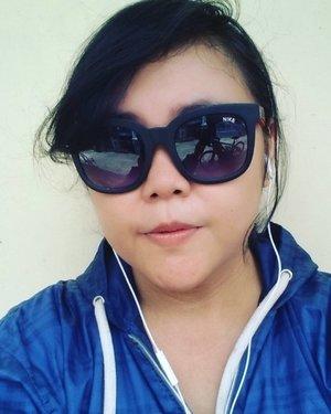 Perlu Aqua ato Acua? 😁 10km itu warrrrrbiasa.. Selonjoran dulu 😜 . . . . . #selfie #selfportrait #me #burnout #cycling #exercise #fit #workout #metime #enjoytheday #mystyle #myself #myface #travelerblogger #womanlifestyle #womantraveler #ritystory  #travelerlife #mytravelgram #instatravel  #instaphotoshoot #womanentrepreneur #photooftheday #picsoftheday #travelgram #clozetteid #myadventure #wanitatangguh #sunday