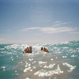 Need vitamin SEA . . . . . . #beach #gilinanggu #gili #lombok #virginislands #explorelombok #ntb #gili #island #ritystrip #travelerblogger #womanlifestyle #womantraveler #ritystory #travelerlife #mytravelgram #instatravel #igersworldwide #igersindonesia #instaphotoshoot #instanusantara #wonderfullindonesia #instapic #instaphoto #photooftheday #picsoftheday #travelgram #clozetteid #myadventure #instapantai