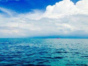 Need vitamin SEA 😁 . . . . . #exploreindonesia #ritystrip #sea #travelerblogger #womanlifestyle #womantraveler #ritystory #ig_asia #travelerlife #mytravelgram #instatravel #igersworldwide #igersindonesia #instaphotoshoot #instanusantara #wonderfullindonesia #instapic #ntb #picsoftheday #travelgram #clozetteid #myadventure  #travelphotography #travelpics #travelasia #indonesiatraveler #womanblogger #view #mytripmyadventure