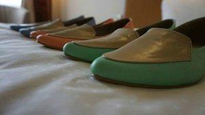 Flat Shoes.. @rityhandmade . . . #rityhandmade #shoes #flatshoes #womanshoes #sepatu #sepatuwanita #handmade #onlineshoes #shoeslover #jualansepatu #olshop #womanlifestyle #ritystory  #travelerlife #mytravelgram #instatravel #instaphotoshoot #womanentrepreneur  #clozetteid #wanitatangguh #wanitapekerjakeras