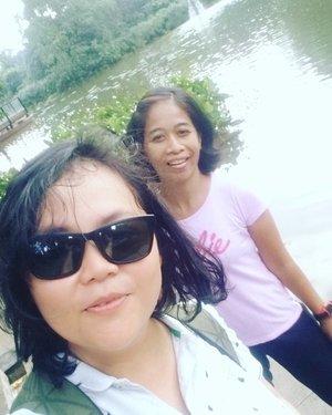 Picnic 😍 . . . . #picnic #happysunday #cousin #family #sister #bogor#kebunraya  #istanabogor #travelerblogger #womanlifestyle #womantraveler #ritystory  #travelerlife #mytravelgram #instatravel  #instaphotoshoot #womanentrepreneur #photooftheday #picsoftheday #travelgram #clozetteid #myadventure #wanitatangguh #wanitapekerjakeras #picnicday