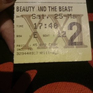 Beauty and the beast 😍 . . . . . #movie #xxi #beautyandthebeast #cinema #metime #enjoytheday #satnight #mystyle #myself #myface #travelerblogger #womanlifestyle #womantraveler #ritystory  #travelerlife #mytravelgram #instatravel  #instaphotoshoot #womanentrepreneur #photooftheday #picsoftheday #travelgram #clozetteid #myadventure #wanitatangguh