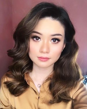 There's a light in a woman's eyes that speaks louder than words ✨ —— #abnergailorrainevideos #abnergailorrainecollabs #beautybloggerindonesia #ivgbeauty #makeupclips #fiercesociety #tampilcantik #wakeupandmakeup #makeup  #indobeautygram #makeuptips #makeuphacks #makeuptutorial #makeuptipsandtricks #makeupaddict #nomakeupmakeup #glam #clozetteid @beautybloggerindonesia @indobeautygram  #undiscovered_muas #beautyguru #beautyguruindonesia #beautygram #discover_muas #muablora #photoshoot #model #tbt
