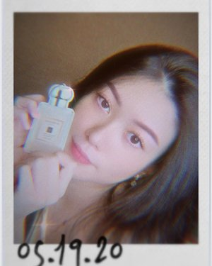 Tadaa! My favorite perfume now comes in a form of Air Freshener 🌸 Wangi nya persiss kayak perfume asli nya and of course ini affordable banget & lasted up to 30 days 😍  Cayang banget sama air freshener @syscent.official ini 🙈♥️♥️ —— . . . . . . . . #abnergailorrainecollabs #scent #photooftheday #instagood #tbt #igers #picoftheday #love #jomalone #clozetteid