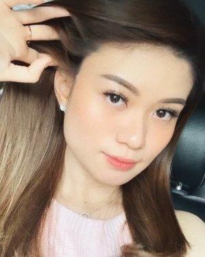 Have a great week ahead blessed people! 🌻💛 ————— Seperrtinyaa menarik rambut terlalu bersemangat 🙂😂 . . . . . . . . . . . . . . . . . . . . . #abnergailorrainevideos #makeover #beautybloggerindonesia #ivgbeauty #universalhairandmakeup #makeupclips #fiercesociety #tampilcantik #wakeupandmakeup #indobeautygram #makeuptips #makeuphacks #makeuptutorial @tampilcantik @beautybloggerindonesia @ragam_kecantikan @zonamakeup.id @indobeautygram @indobeautysquad @bunnyneedsmakeup #beautyinfluencer #ragamkecantikan #tutorialmakeuplg #jakartabeautyblogger #beautyjunkie #bloggirlsid #zonamakeup #makeuptipsandtricks #makeupaddict #abnergailorrainemakeup  #glossymakeup #beautyguru #beautyguruindonesia #beautygram #discover_muas #muablora #clozetteid