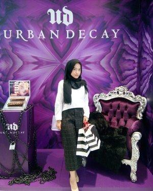 After beauty workshop w/ @imjsfo at @sephoraidn. Thank you @wolipop for the invitation. 😉 . . . #beautyblogger #ClozetteID #ootd #sephora #urbandecay #Indonesianblogger #lookbook #beauty #makeup #hijab #ericjimenez