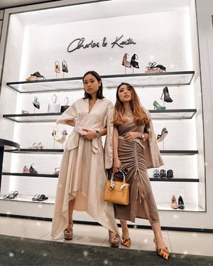 Winning Kak @ayladimitri's giveaway with @charleskeithofficial, I had the chance to meet her in person, shop at the store and also had Iftar together ♥️ I was very lucky I guess to be one of the 5 winner. And to top it, I got to spend some quality time with her too! 🥰 The experience was priceless, and I truly admire how generous, persistent, genuine and original she is! ✨ One of the person I look up to! Always rooting for you Kak @ayladimitri 🌹 — #GIRLTIME #CHARLESKEITH_ID #imwithCHARLESKEITH 📸 @steviiewong . . . . . . . . . . . #whatiwore #womensfashion #chic #edgy #fashionistas #portrait #ootdinspiration #ootdbloggers #lotd  #fashionblog #bloggerstyle #fashion #wiwt #styleinspo #instastyle #ootd #styleblogger #blogger #influencer #fashionblogger #fashionpeople #outfitoftheday #fashioninfluencer #style #outfit #streetstyle #clozetteid