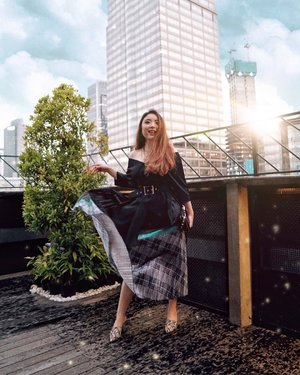 It was pouring when I took this shot, but with the view of Jakarta's skyscrapers, I just couldn't resist. 🏙✨—Black Top from @viorellabel Multicolor Pleat Skirt from @kenwin_shop Snakeskin Heels from @meijibeyondfashion —📸 @cindy.octaviany #PriStyleDiaries..........#whatiwore #chic #city #edgy #womensfashion #fashionistas #portrait #travelblogger #ootdinspiration #lotd #fashionblog #bloggerstyle #fashion #wiwt #styleinspo #instastyle #blogger #ootd #styleblogger #blogger #fashionblogger #outfitoftheday #fashioninfluencer #streetstyle #skyscraper #style #outfit #clozetteid