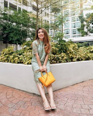 In the midst of a bustling hectic life, it's healthy to slow down and allow nature's peace to flow into you as sunshine flows into the trees, so the tree can produce its beautiful leaves 🌳—Lace Green Dress from @foxquinn.official Kate Spade Bag from @le.hoo.gaa White Strap Heels from @herofficialid #ThePetiteMissyTravels#PriStyleDiaries........#whatiwore #nature #fashionable #traveling #travel #travelblogger #travelingram #travelinspiration #fashionistas #ootdinspiration #lotd #fashionblog #bloggerstyle #fashion #outfit #instastyle #blogger #styleblogger #fashionblogger #stylist #influencer #ootd #fashioninfluencer #style #outfit #summer #clozetteid