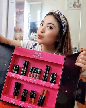 HAPPY INTERNATIONAL LIPSTICK DAY! 💋—I'm in Lipsticks Heaven! Talking about all these different shades from @makeoverid 😍 Got 9 types of lip products, each with different finish that leaves me starstruck; Creamy Lust Lipstick, Melted Metallic Lip Cream, Intense Matte Lip Cream, Clique Matte Lip Stylo, Ultra Shine Lipstick, Color Stick Gloss Crayon, Ultra Hi-Matte Lipstick, Liquid Lip Color & Color Stick Matte Crayon 💄 My favorite has got to be the metallic lip cream one, since it's so rare to find one with this kind of finish and texture! 💘—BTW A QUICK SURPRISE GIVEAWAY FOR YOU ALL! (Closed at 6 pm, announced at 7 pm) —RULES OF THE GAME;1. Follow @makeoverid & @priscaangelina2. Like this post3. Comment 4 Make Over lipsticks that you LOVE including the shade (ex. intense matte lip cream 03 secret, liquid lip color hazelnut, etc)4. WINNER WILL GET ALL 4 LIPSTICKS OF THEIR WISH ✨🧚🏼‍♀️5. GOODLUCK AND START LISTING BELOW!—#LipsForAll.........#beauty #lipstick #portrait #beautyblogger #blog #makeupjunkie #dreamy #beautyenthusiast #beautyinfluencer #beautyjunkie #blogger #influencer #lifestyle #bloggerstyle #fashionblogger #tampilcantik #ulzzang #love #clozetteid #makeup #makeupreview #giveaway #giveawayindonesia #giveawayindo #makeupgiveaway #giveawaymakeup
