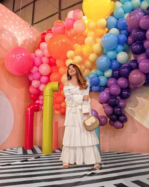 Just can't get over these whimsical-and-mindblowing-yet-oddly-satisfying installations at Baluun by @haluuworld 😍🌈 🎈 — Feeling like a kid all over again and it was real fun! Not to mention to be fully dressed in this dreamy outfit from @loveandflair 💕 — Make sure to watch my IGTV to see the space that you can visit starting from June 6th until August 25th! Worth the hype for sure 💃🏻 — Rabia Dress from @clleofficial  Libby Skirt in White from @andotherdays x @ayladimitri Kaia Heels in White from @yubi_official — #PriStyleDiaries 📸 @shindyursula . . . . . . . . .  #whatiwore #womensfashion #art #summer #fashionistas #dreamy #rainbow #balloons #portrait #ootdinspiration #ootdbloggers #lotd #fashionblog #bloggerstyle #fashion #wiwt #stylist #ootd #styleblogger #blogger #fashionblogger #fashionpeople #influencer #style #outfit #clozetteid