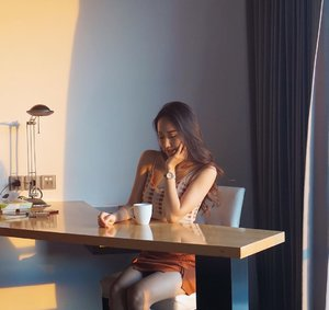 Cozy working spot at sunrise, tea time spot at sunset @tssuitessby . I had a great weekend at TS Suite Surabaya and you can also have it too for only 880.880,- (period stay : Friday to Sunday)! Feel the ultimate comfort and convenience at their Ladies Only Floor😉 . More pictures at TS Suite Sby coming soon😉 . Top and skirt by @selcouth.plus . #clozetteid #influencerbali #influencersurabaya