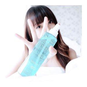 """Acne skin care solution ‼️-Let me introduce you to @a.stop2man clear toner 360° spray. Well, toner ini ga cuma punya kelebihan spraynya yg bs d puter 360° aja. Tapi juga berfungsi 360° buat face dan body kita.-Honestly, toner bentuk spray ini gampangin aku buat aplikasiin, jadi aku abis mandi gt lgsg aja semprot ke wajah. Feel so fresh.What's good?Calming acne/pimples immediatelyReduce reddish skinSoothe skinRemoving dead cellsAnti bacteria effectWatery texture-Ohya, aku ga cuma semprot toner ini d wajah aku aja loh, tapi juga d punggung dan bagian dada yg srg banget ada jerawat membandel. Asik kan? Satu toner untuk semua.-Where's to buy?On my @charis_celeb shop :http://hicharis.net/tephieteph/KRiBtw lagi ada banyak special bundling sampe tanggal 31 Mei loh. Kalian bisa dapetin toner ini bareng product"""" andalan dari @charis_celeb ☘️...#clozetteid #charis #charisceleb #hicharis #hicharis_official #acnetoner #astop #acnesolution #acneskincare #tephcollaboration #influencersurabaya #influencerjakarta"""
