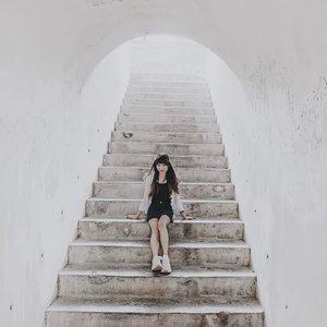 Don't close the book when the bad things happen in your life, just turn the page and begin a new chapter � . . . #clozetteid  #fortroterdam  #fortroterdammakassar  #bentengfortrotterdam  #makassar  #makassarhits  #exploremakassar  #makassartraveler  #tephtraveldiary  #wonderfulindonesia  #visitindonesia  #indonesia  #travelindonesia  #travelblogger  #travelphotography  #appleiphonexs  #iphonexs  #bloggersurabaya  #bloggerjakarta
