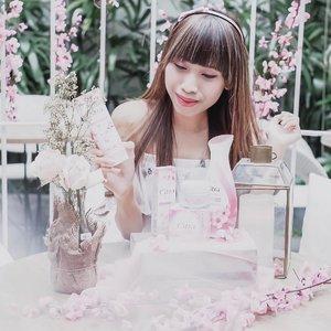 "Beauty Picnic with @cantikcitra —-Seru banget krn jadi tau lebih detail ttg product terbaru dr @cantikcitra yaitu Powder Cream Moisturizer yg bisa mencerahkan kulit kita dalam 1 menit, poreless dan matte finish 😍-Cocok banget buat kalian yg kulitnya oily ! Karena bakal kurangin produksi sebum dan buat kulit kalian ga beceks"" manjyah 😍...#clozetteid #CantikCitra#MakeYourOwnCitra#CitraxClozette#ClozetteID"