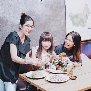 "Laughter is brightest,when food is best.-Enjoy our dinner tonight at @seafoodkalimantan 😍 New seafood place in town.What best?Kerapu goreng rica""  4/5Cah kangkung 5/5Kepiting bakar asap 3.5/5Another best food is Lobster, but I didn't try it tonight (maybe next time). Btw, all fish here are fresh, the texture is good, thick enough, a little bit fishy but acceptable.-On soft opening period,you can enjoy 10% discount off. Btw, they also provide any spirit. Let's try and enjoy you moment here ! ☘️...#clozetteid #seafoodkalimantan #seafoodtime #seafoodboil #tephcollaboration #foodpic#yummy#tasty#foodreview#foodfeed#foodinsta#foodiegram#thecookfeed#thenewhealthy#comfortfoods#reciepeideas#foodieslove#influencersurabaya #influencerjakarta"