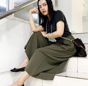 Casual Outfit for Comfort Hang-OUT #OOTD  -Tshirt -culottes pants -Flat shoes -sling bag don't forget mask!