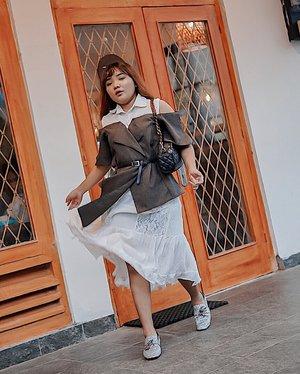 Siapa yg uda ke m bloc? Spot mana yg km suka? . . .  #ootdlidya #ootd #outfits #fashion #outfitinspiration #style #outfitoftheday #clozetteid #outfitideas #streetstyle #fashionstreet #ootdstreet #explorejakarta #jakartafashion
