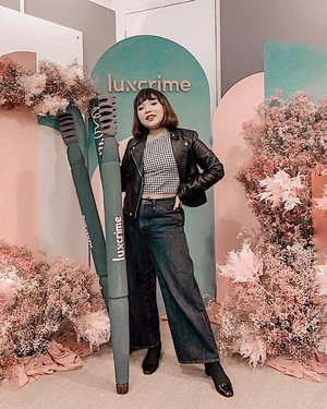 "Finally! Luxcrime Slim Triangle Precision Brow Pencil already launched 🎉 It has smudge proof formula and ultra slim triangular tip that makes natural feather brows. .  Available now at @shopee_id Official store and get 10% off with code ""LUXCFLEEK"" .  Thank you @luxcrime_id and @indobeautysquad for having me today 🙏 A tons of Fun! . . .  #luxcrimewonderbrowland #indobeautysquad #motd #makeup #lidyamakeup #beauty #beautyenthusiast #ootdlidya #clozetteid #makeupoftheday"