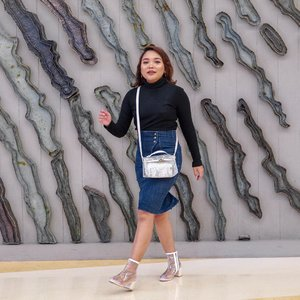 Selamat siang. Semangatin aku dong hari ini mau super duper produktif bikin konten hahaha.. . . .  #ootdlidya #ootd #pinkstyle #fashionblogger #fashionnova #outfitinspo #outfitinspiration #outfitideas #outfits #clozetteid #streetstyle #casual #fashion